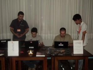 Estande da UbuntuSC no Seminário de Ciência e Tecnologia da UDESC